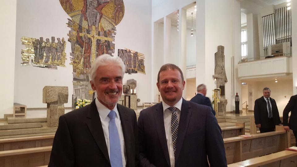 Prof. Dr. Ulrich Goll MdL und Andreas Glück beim Gottesdienst vor der 1. Landtagssitung.